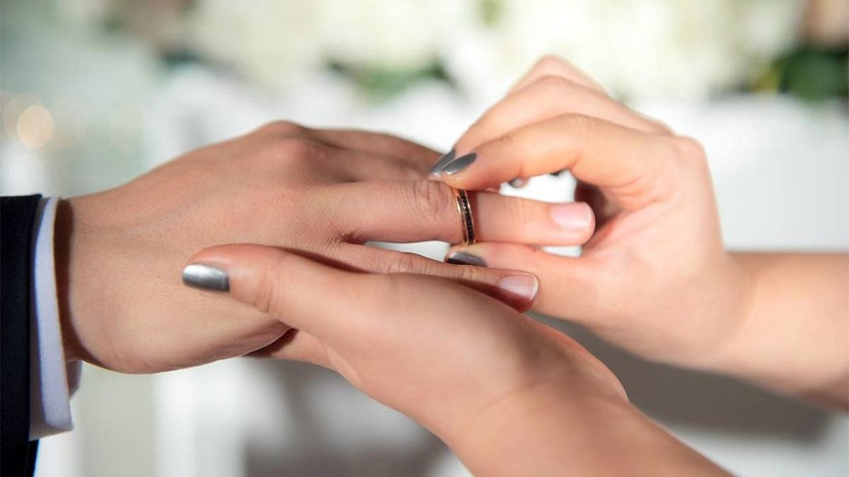 آیا زنی که ازدواج مجدد کرده میتواند مهریه بگیرد؟