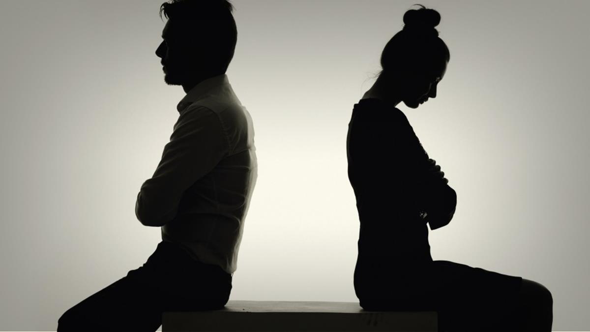 آیا مهریه به زن نازا تعلق میگیرد ؟
